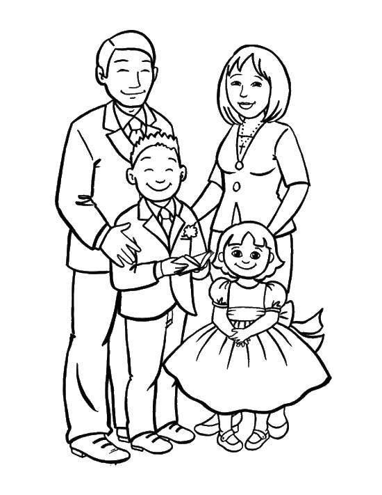 Раскраска Красивая семья Скачать Семья, родители, дети.  Распечатать ,Члены семьи,