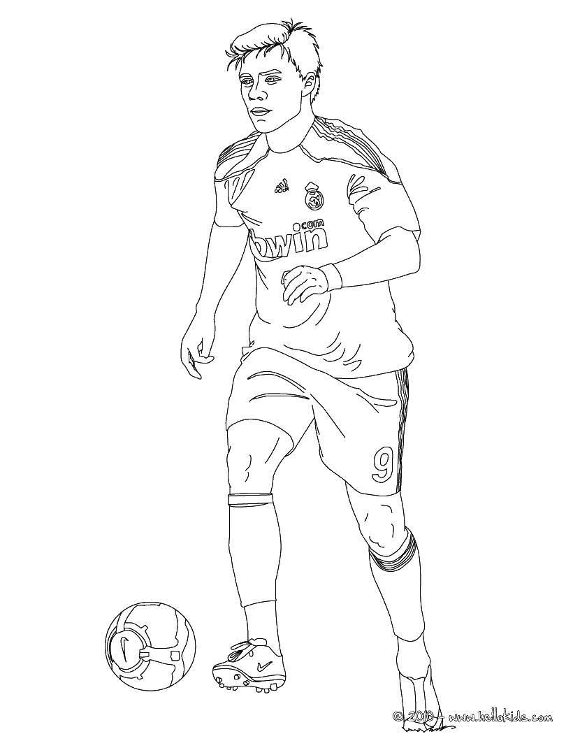 Раскраска Игрок реала Скачать Спорт, футбол, мяч, игра.  Распечатать ,Футбол,