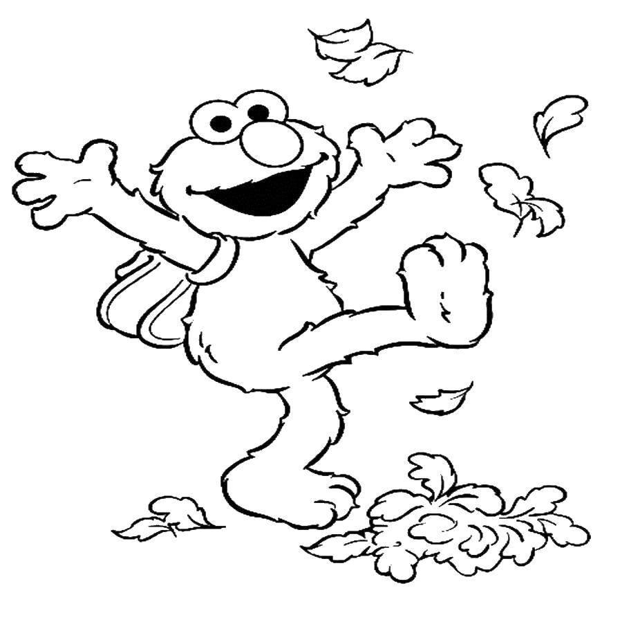 Раскраска Монстрик играется с листьями. Скачать осень, листья.  Распечатать ,Осенний листопад,