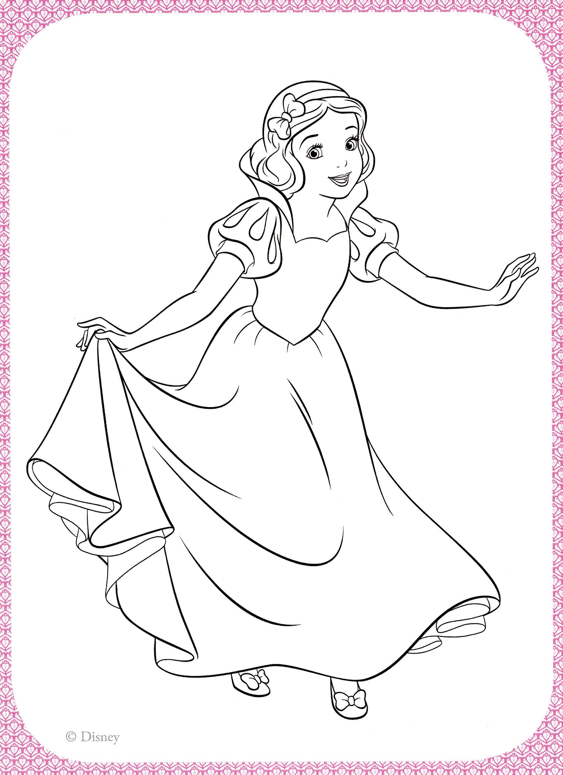 Раскраска Милая белоснежка Скачать принцессы, мультфильмы, сказки, Белоснежка.  Распечатать ,белоснежка,