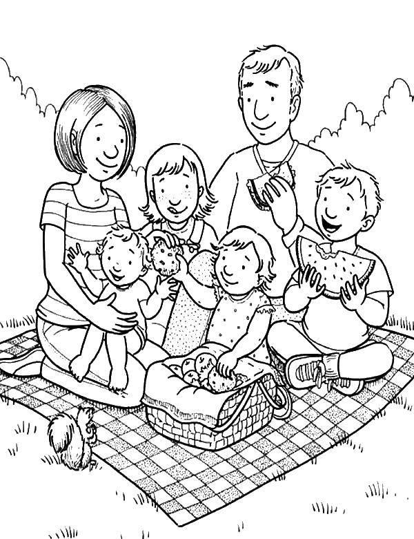 Название: Раскраска Вкусный пикник. Категория: Члены семьи. Теги: Семья, родители, дети.