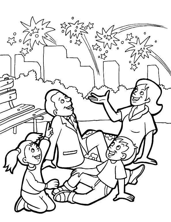 Раскраска Семья смотрит на праздничные салюты Скачать Семья, родители, дети.  Распечатать ,Семья,
