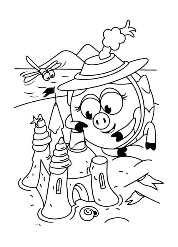 Раскраска Нюша стоит песчаный замок Скачать Смешарики, Нюша.  Распечатать ,смешарики,