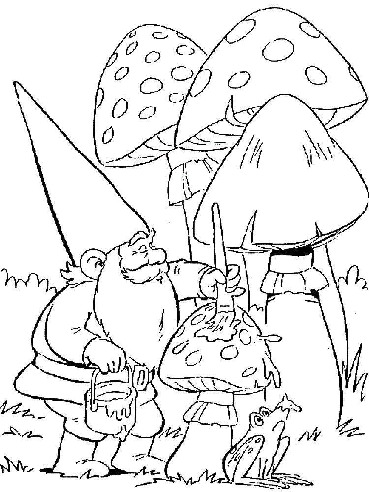 Раскраска Гномик красит грибочки Скачать Гном, гриб.  Распечатать ,гномы,
