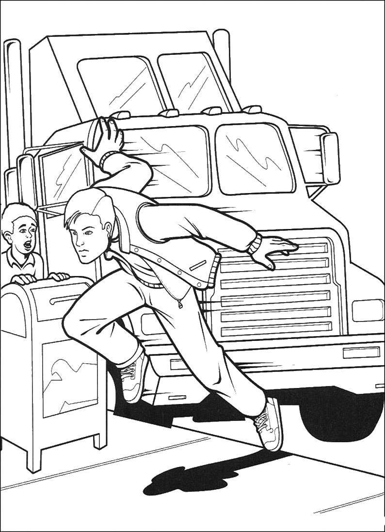 Раскраска Питер паркер спасает человека Скачать человек паук, супергерои.  Распечатать ,человек паук,