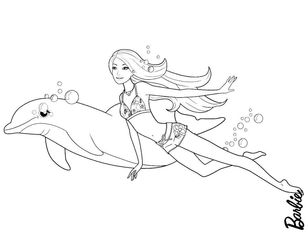 Раскраска Барби плавает с дельфином Скачать барби.  Распечатать ,мультики,