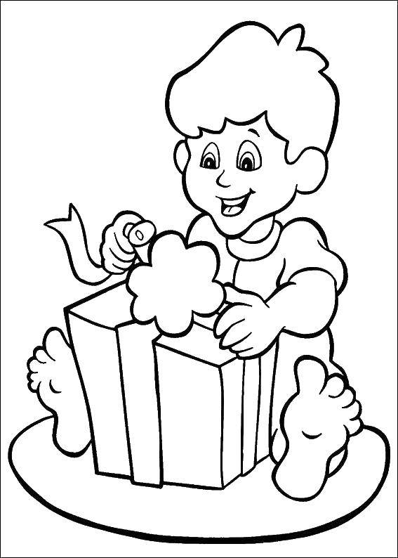 Coloring A long-awaited gift. Category gifts. Tags:  Gifts, holiday.