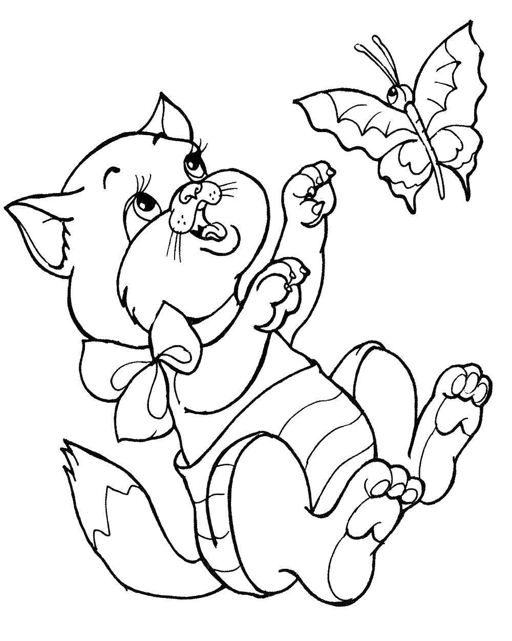 Раскраски Раскраска Маленький милый котенок играется с ...